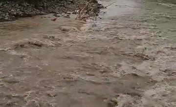 El desbordamiento de río en las huasteca provocó el desalojo de familias