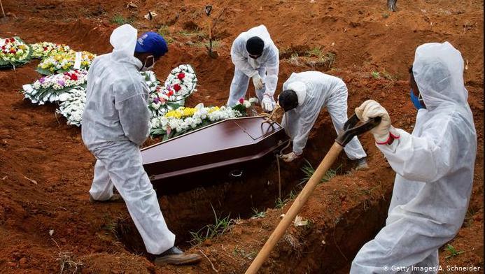 Inegi corrigue a Salud en muertes por Covid